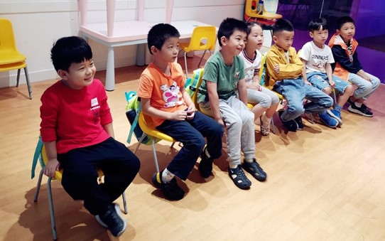 english teaching jobs wuhan