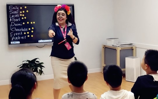 teaching english in wuhan